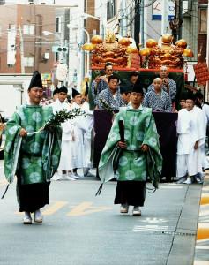 諏訪神社の巡行その1