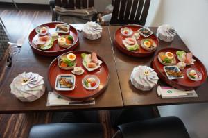 お料理を越乃寒梅を室町時代の鉄銚子でお召し上がりいただきました。