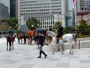 警備の騎手