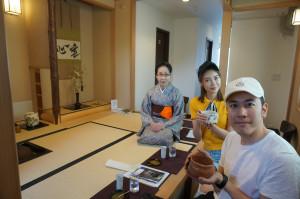 中国。巻き寿司体験も。