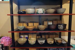 今回の茶碗。鳴海織部と高麗三島を今日だけの為に入れ替え
